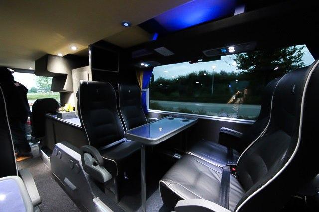 VIP Service - Bus von innen